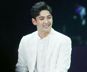 dongho, nuest, and kang dongho image