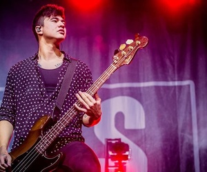 bass, Hot, and 5 seconds of summer image