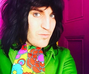 blue eyes, colorful, and noel fielding image