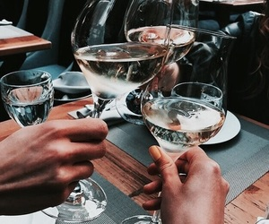 drink and friends image