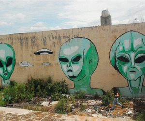 alien, art, and grunge image