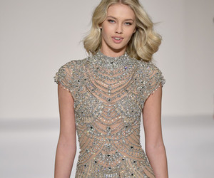 dress, nyfw, and runway image