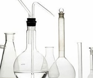 beaker, chemical, and clear imageの画像