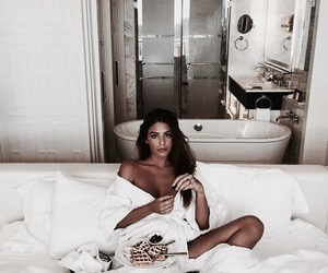 girl, food, and beauty image