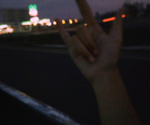 carretera, Noche, and rock and roll image