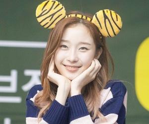 girls, kpop, and south korea image