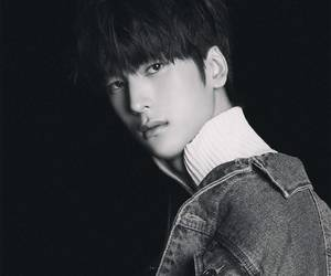 black and white, golcha, and kpop image