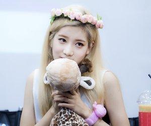 blonde, kpop, and idol image
