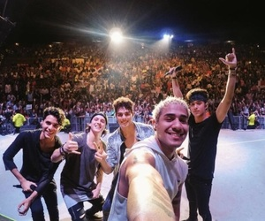 vecinas, cnco, and mas alla tour image