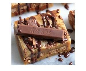 chocolate, food, and kit kat image
