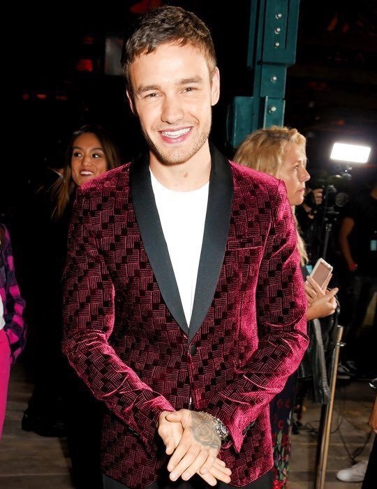 liam payne, fashion, and red image