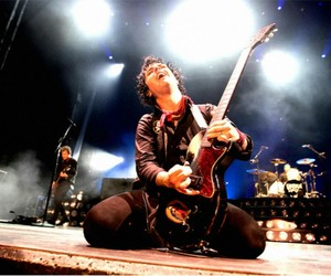 band, billie joe armstrong, and concert image