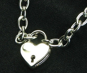 aesthetic, chain, and heart image