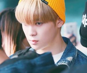 airport, blond, and jaehyun image