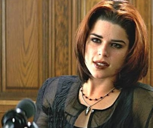 neve campbell image