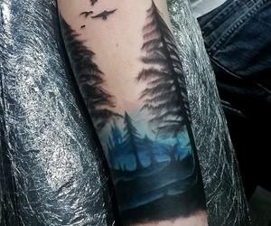 tatuaje, bosque, and brazo image