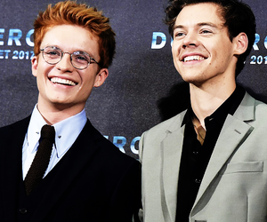 Harry Styles, dunkirk, and tom glynn carney image