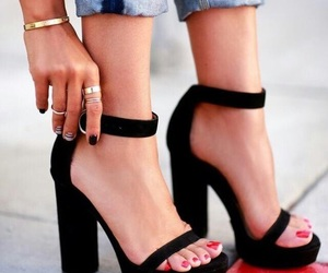 black, shoes, and tacones image