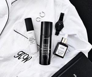 black, minimal, and minimalism image