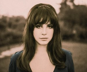 Queen, sepia, and ️lana del rey image