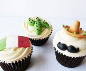 cup cakes, mexican party, and fiesta mexicana image