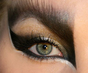 halloween make up, halloween eye make up, and halloween make up ideas image