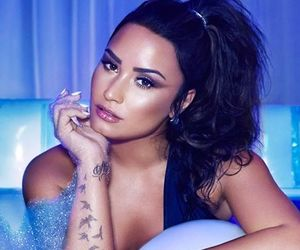 demi lovato, fashion, and sorry not sorry image