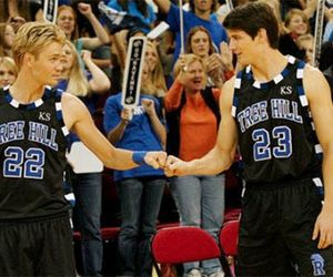 one tree hill, brothers, and nathan scott image