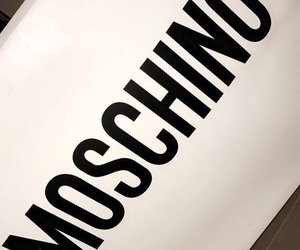 luxe and Moschino image