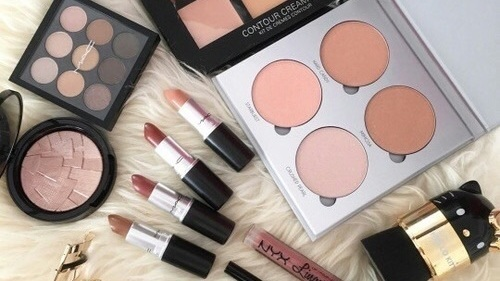 makeup and article image
