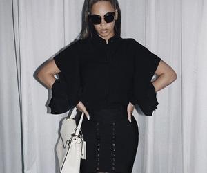 black, fashion beauty, and elegant fashion image