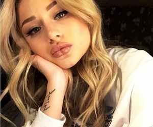 big lips, blonde hair, and aesthetic cute image