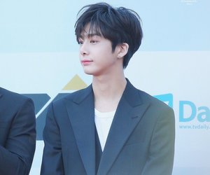 idol, kpop, and hyungwon image