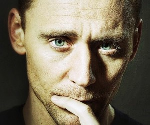 green eyes and tom hiddleston image