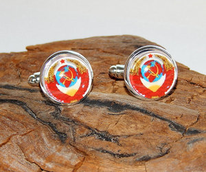 coat of arms, groomsmen cufflinks, and coat of arms cuff image