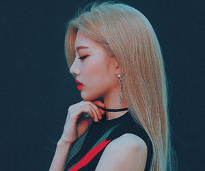 loona, kpop, and kim lip image