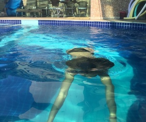 piscina, summer, and swimming image