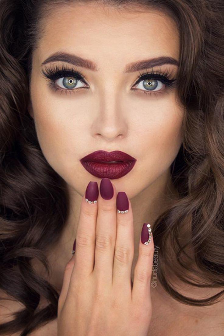 eyelashes, eyeliner, and eyeshadow image