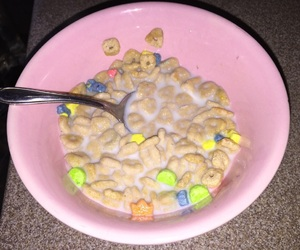aesthetic, pink, and cereal image