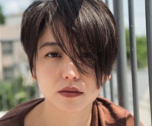 androgynous, hair, and haircut image