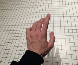 pale, grunge, and hand image