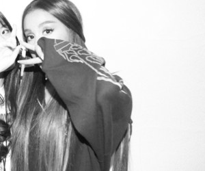 meet and greet, ariana grande, and dwt image