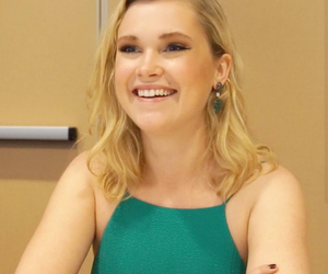 comic con, clarke griffin, and eliza taylor image