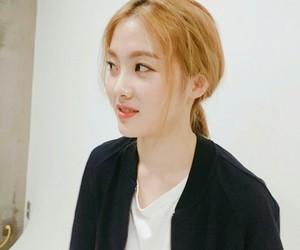 Lucy, hyojung, and weki meki image