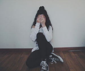 aesthetic, black, and girl image