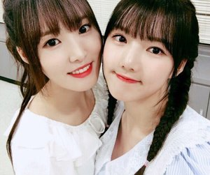 yuju, gfriend, and yerín image