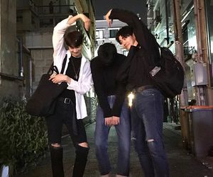 ulzzang, boy, and friends image