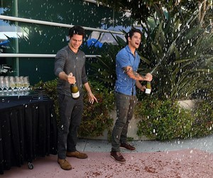 tyler posey, dylan o'brien, and comic con image