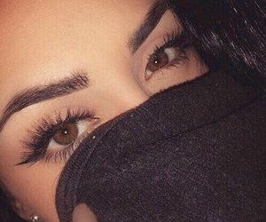 eyebrows, girl, and outfit image