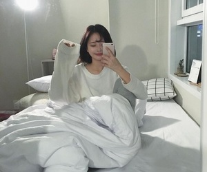 asian, short hair, and bed image